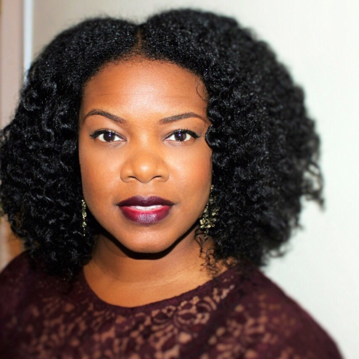 Chunky Twistout and Burgundy Lips| nickygoglam.com